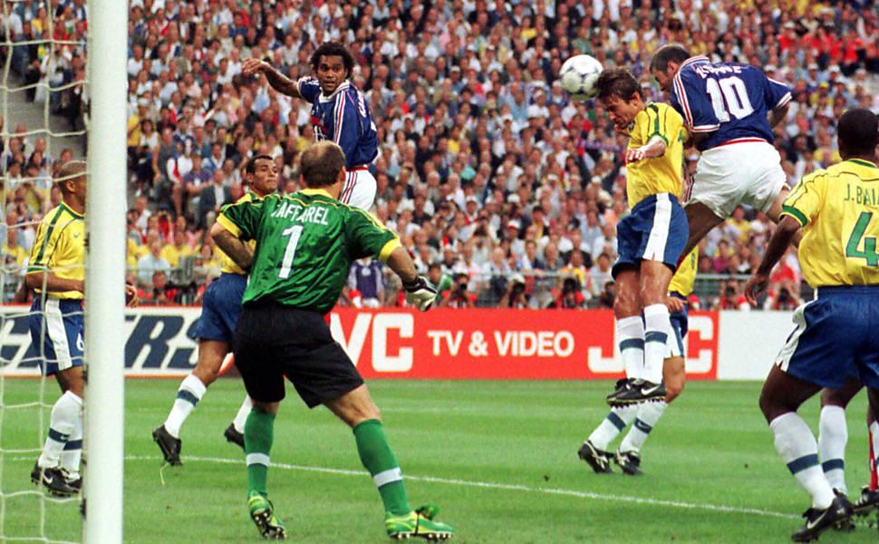 ba3d28245a Jogadores franceses campeões do mundo relembram final da Copa de 98 contra  o Brasil